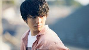 映画『宇宙でいちばんあかるい屋根』の登場人物、浅倉亨